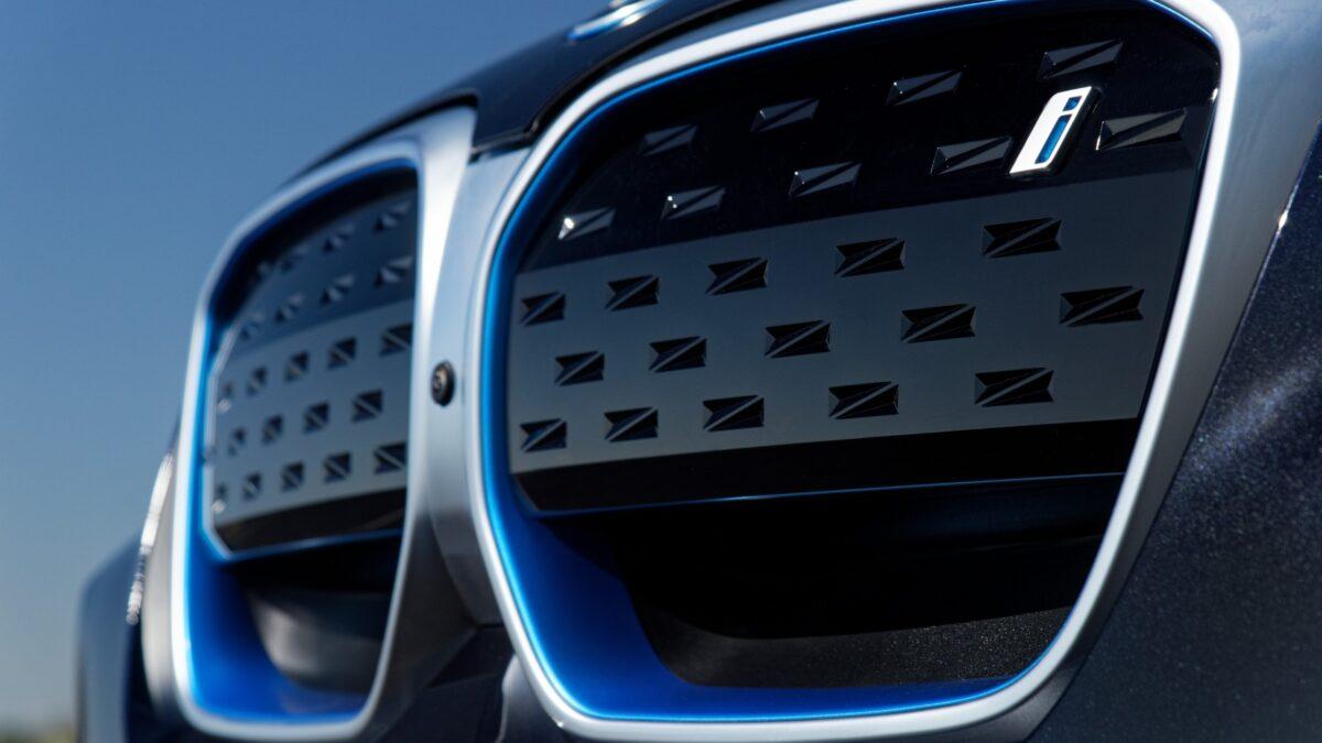 2021 BMW X3 + BMW iX3