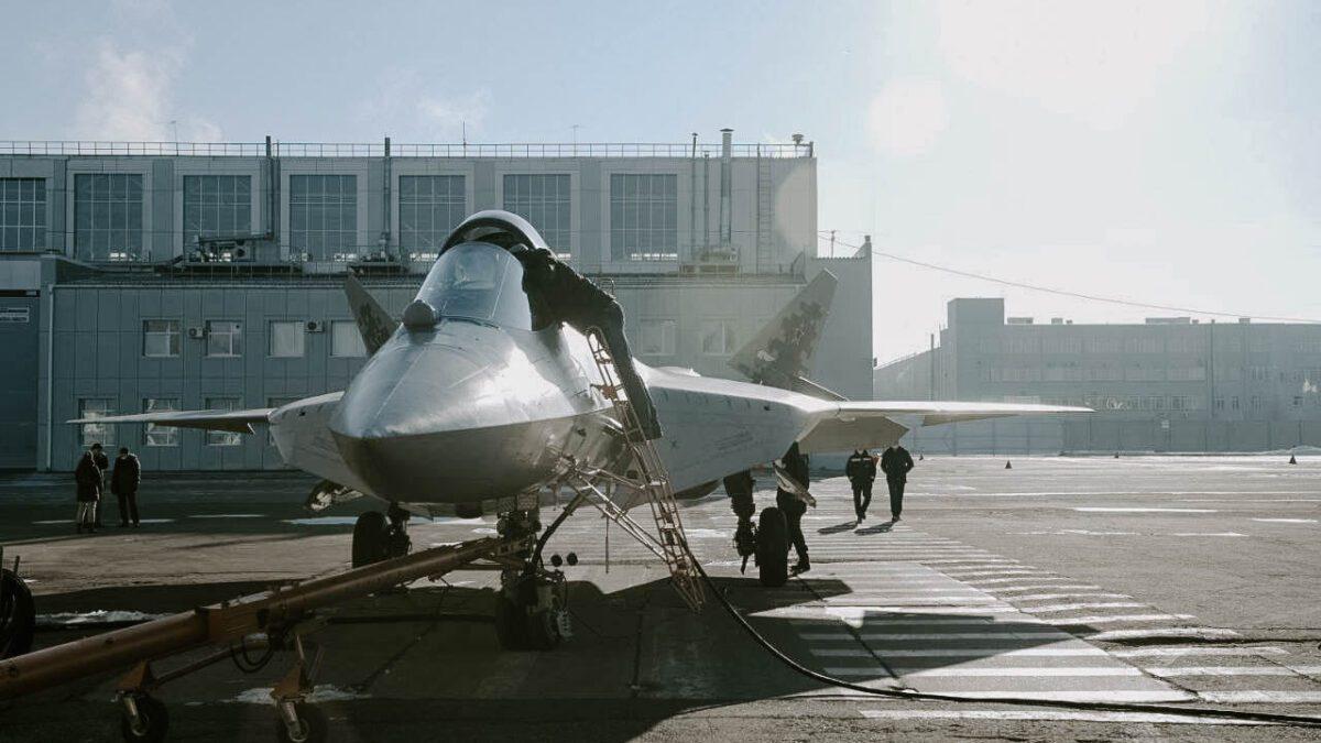 Κατασκευάζοντας το Super Su-57