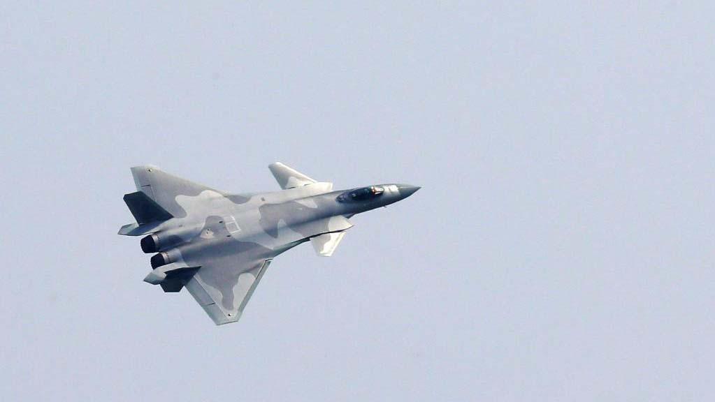 Το κινεζικό J-20 stealth στο Airshow China 2021