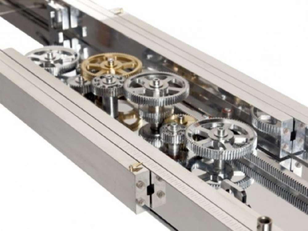 Είναι το Astrolab Dining Table της Roche Bobois, ένα μηχανικό τραπέζι που  επεκτείνεται U2013 ναι, ΔΕΝ είναι είδηση, αλλά έχει μια Gadgetfreak εικόνα.